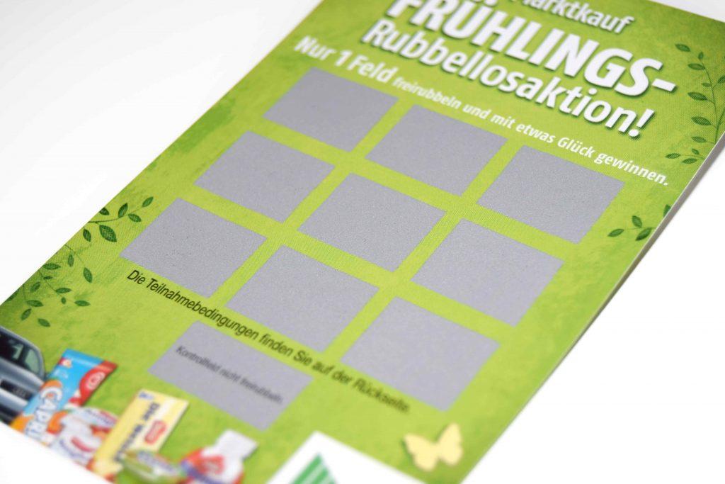 Rubbelkarte mit silbernen Rubbelfeldern